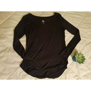5 for $25 Long sleeve black t-shirt